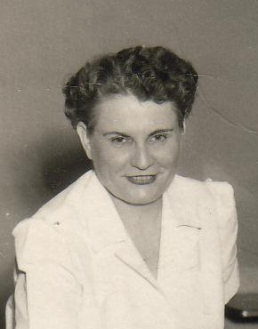 Fannie Smithen.   (Photograph provided by and in the collection of Johnny Taylor, Marshall, TX, 2017)