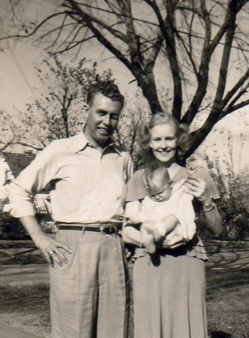 H.C. Smithen, Jr. & Margie Stringer Smithen. c. 1950.   (Photograph provided by and in the collection of Johnny Taylor, Marshall, TX, 2017)