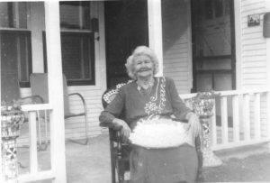 Nannie Hiler.   (Photograph provided by and in the collection of Johnny Taylor, Marshall, TX, 2017)