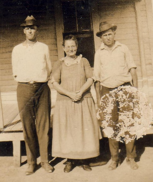 Oscar Loosier, Laura Janette Hiler Walker, Harvey Smithen.   (Photograph provided by and in the collection of Johnny Taylor, Marshall, TX, 2017)